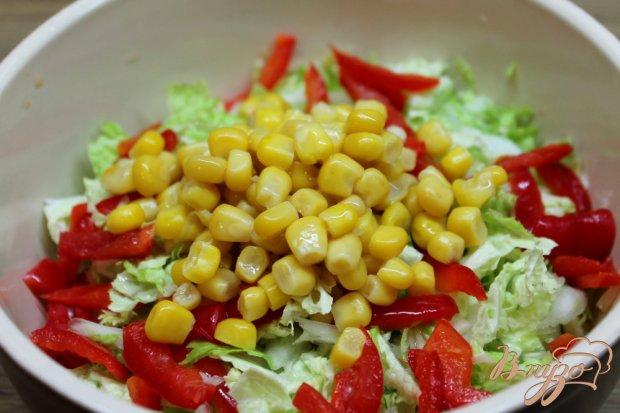 Салат с кукурузой консервированной и пекинской капустой