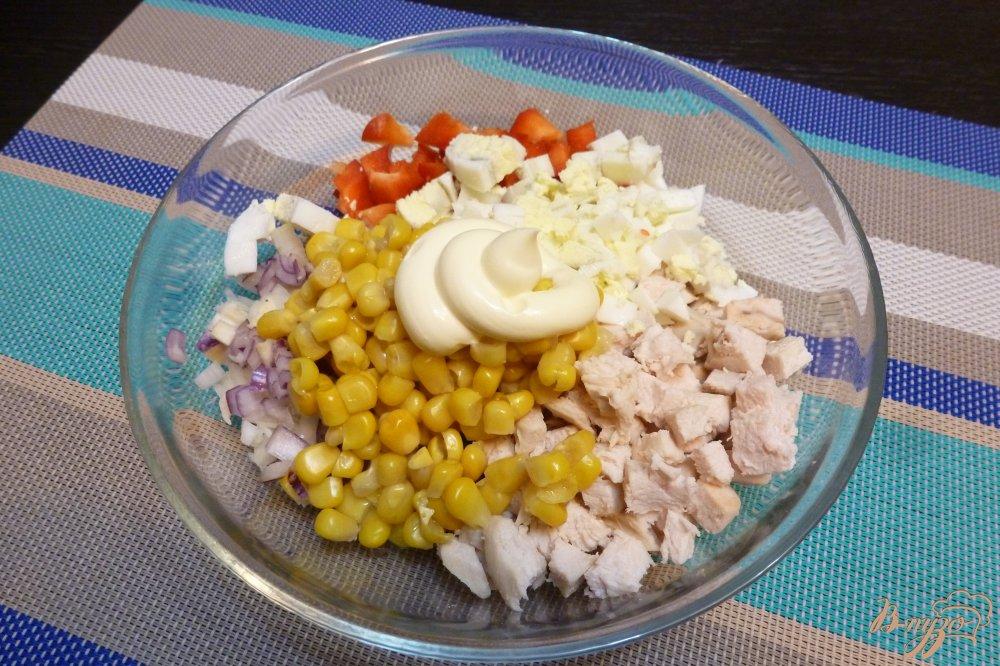 Салат с кур грудкой и кукурузой